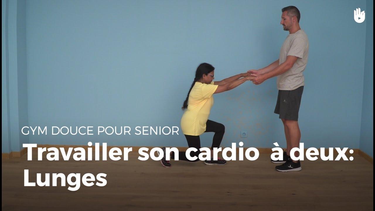 exercice cardio avec un partenaire fente arri re exercices de gym douce pour senior sikana. Black Bedroom Furniture Sets. Home Design Ideas