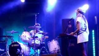 We Walk - The Ting Tings (live @ PinkPop 2009)