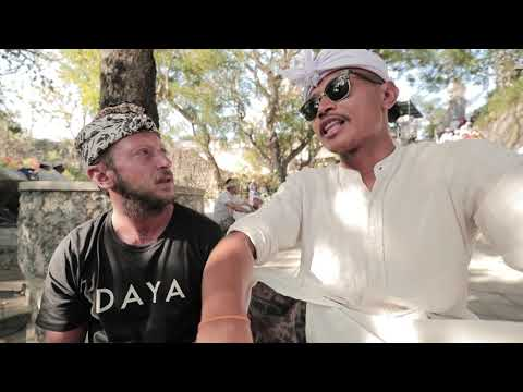 OAK Movie Studio e Fabrizio Passetti surfing in Bali