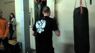 Миша Маваши в спортивном зале федер. Тайского бокса