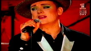 """BOY GEORGE """"I JUST WANNA  BE LOVED """"-Live"""