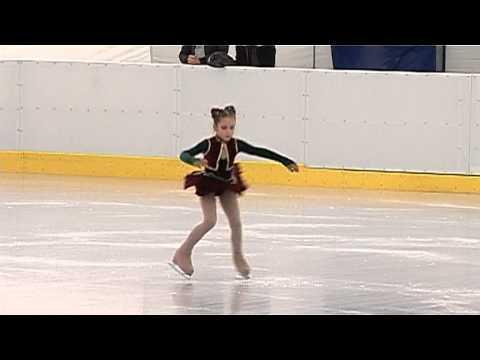 ילדה רומנייה רוקדת לצלילי שיר מפתיע!