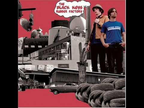 מפתחות שחורים במפעל לצמיגים