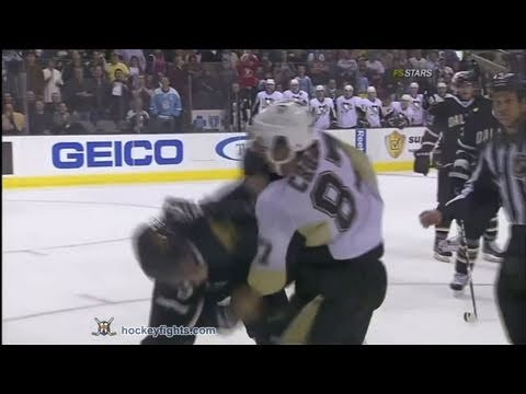 Matt Niskanen vs. Sidney Crosby