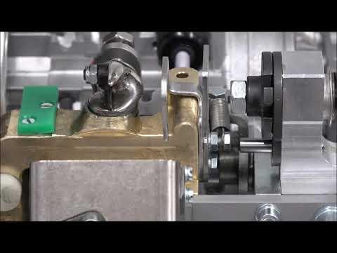 AXRO FQC2: Assembler et ajuster le bec du noueur
