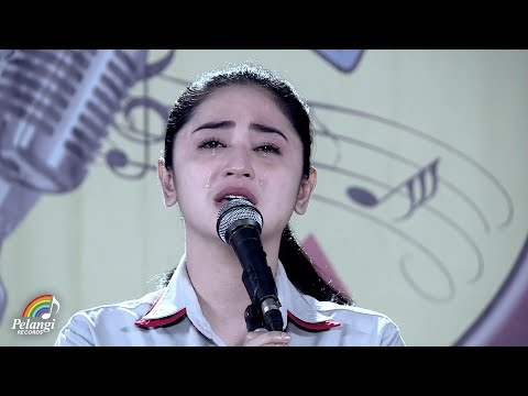 Dangdut - Dewi Perssik - Indah Pada Waktunya (Official Music Video) | Soundtrack Centini Manis