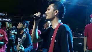 Superiots -- Kekasih Tolol Live Bekasi