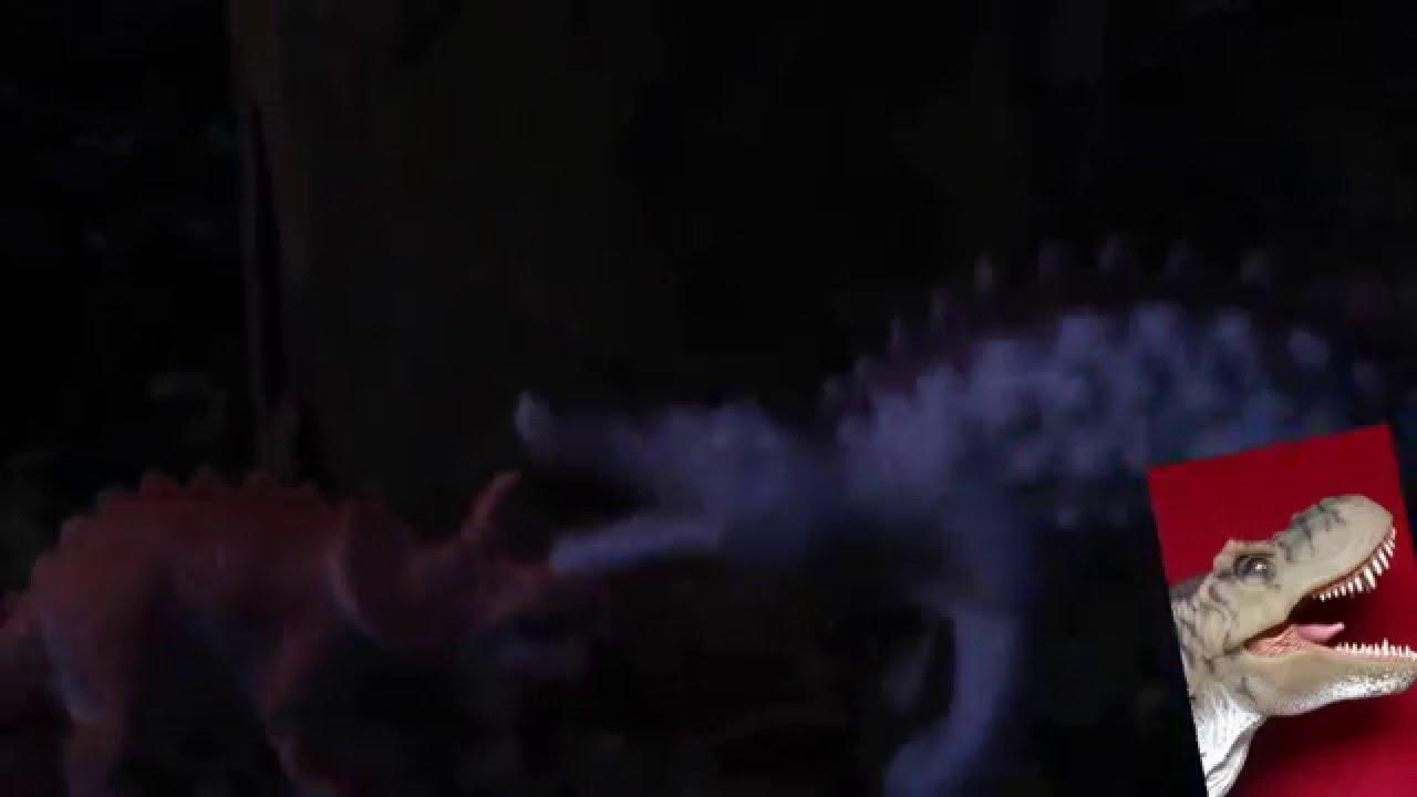 Tricín y Tricerata, los dos Triceratops en una noche perhistórica