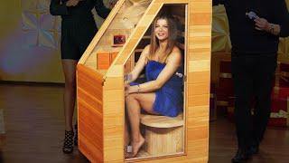 Diana entspannt in der Mini-Indoor-Sauna bei PEARL TV