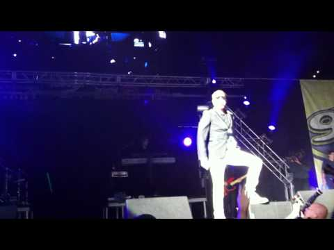 Big Time Rush Elevate Live from Jingle Ball Tampa Florida 12/11/11
