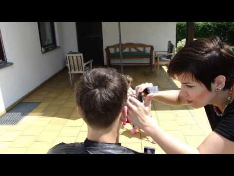 Der Haarausfall bei der Aufnahme jarina