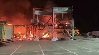 Énorme incendie à Jerez de la Frontera, toutes les MotoE détruites.