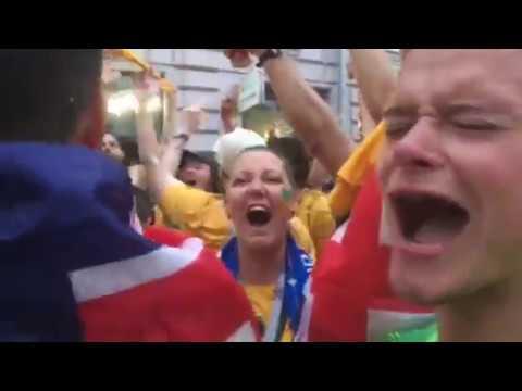 Фанаты после матча Дания - Австралия устроили гулянья в Самаре
