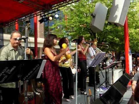 Carpacho & Su Super Combo at Navy Pier Beer Garden by Latin Street Dancing