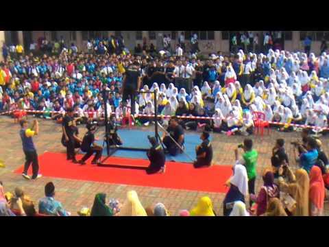 Bar-acuza show at Smk Serendah(sambutanHari Guru)