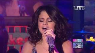 Love You Like A Love Song & Hit The Lights - MTV NYE 2011