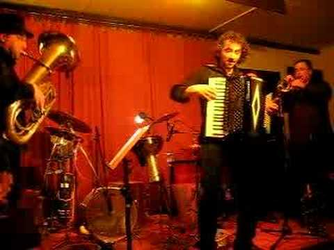 KLEZ GANG Musica Klezmer Balkan Gipsy Bologna musiqua.it