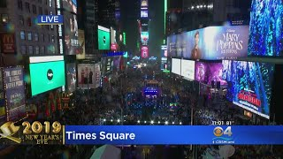 Constant Rain Not Stopping The Times Square Party On New Year's Eve