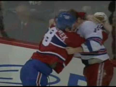 Mike Komisarek vs. Brandon Dubinsky