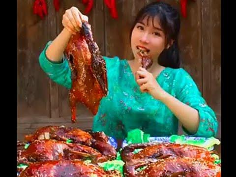 #大胃王#吃貨《全村第一吃貨》消滅30斤甜皮鴨!