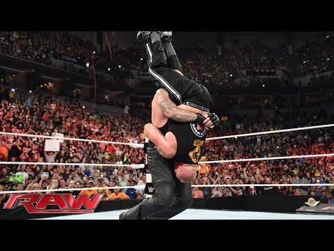 The Undertaker crashes Brock Lesnar's homecoming celebration: Raw, Aug. 17, 2015