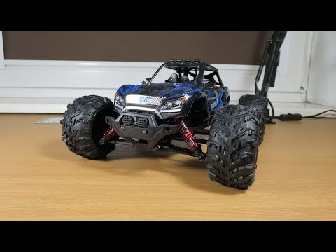 Xinlehong 9137 - Small great RC car