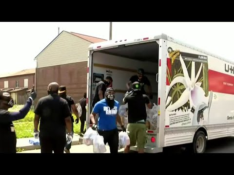 Rapper takes money raised through 'Big Gretch' and gives back to Detroit