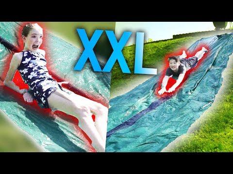 10 METER XXL Wasserrutsche von AMAZON! 💦😂 mit Lea und Tim
