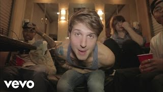 "Эмили Осмент, ""I Like It Like That"" - Hot Chelle Rae"