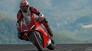 2018 Ducati Panigale V4 - The World