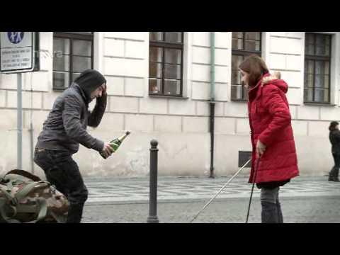 Eva Holubová s mečem