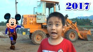 Bé Dương giới thiệu máy xúc lật Trung Quốc HJ16,  Kênh Em Bé ✅