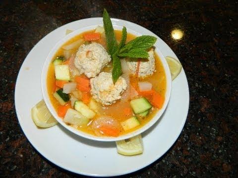 Receta:Caldo de Albondigas de pollo con verduras