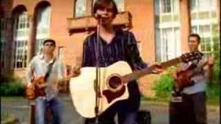 Chris Cummings - Lucy Got Lucky