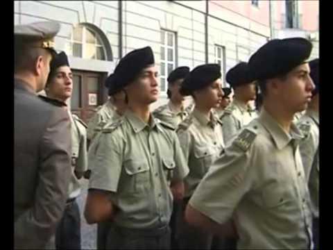 Polizia di curvatura di spina dorsale