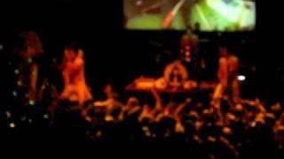 2 Skinnee J's 718 Live