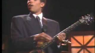 """Stanley Jordan perform  """"Autumn Leaves"""" @ NYC"""