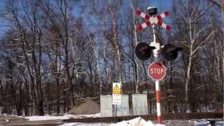 preview picture of video 'Przejazd kolejowy w Kłaju'