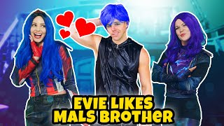 DESCENDANTS 3 EVIE LIKES MAL'S BROTHER. Queen Of Mean Audrey Tricks Mal And Ben  Totally TV Original
