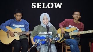 Gambar cover WAHYU - SELOW Cover by Ferachocolatos ft. Gilang & Bala