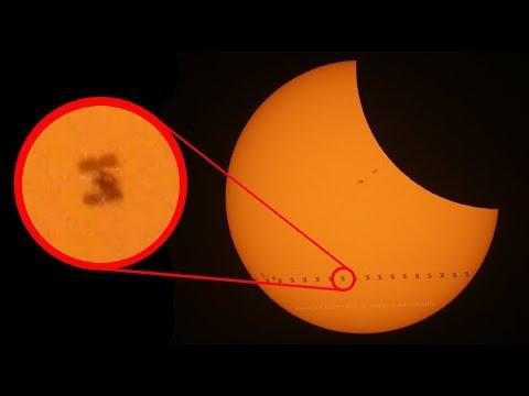 Tranzit ISS při zatmění slunce