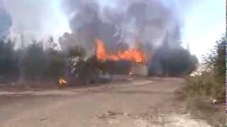 preview picture of video 'بشائر النصرالجيش السوري الحر يدمراكبر كتيبة عسكرية في مدينة طفس  26 أكتوبر، 2013'