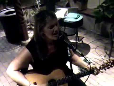 Laurianne Fiorentino (with Odetta) - Earthie Indie Music - Video clips