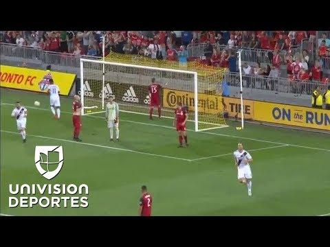 ¡Qué Pedazo de Gol! Zlatan Ibrahimovic anota con una patata karateka, Toronto 3-1 LA Galaxy