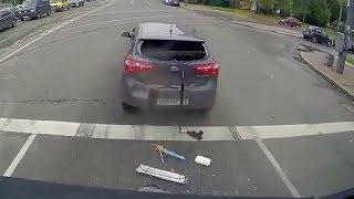 Смотреть онлайн Аварии авто, которые были летом 2017 года
