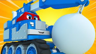 Truck videos for kids -  The DEMOLITION CRANE - Super Truck in Car City !