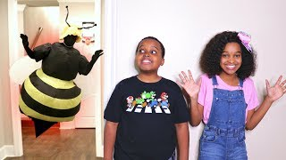 Bad Baby GIANT BEE ATTACKS! Killer Wasp Shasha And Shiloh - Onyx Kids