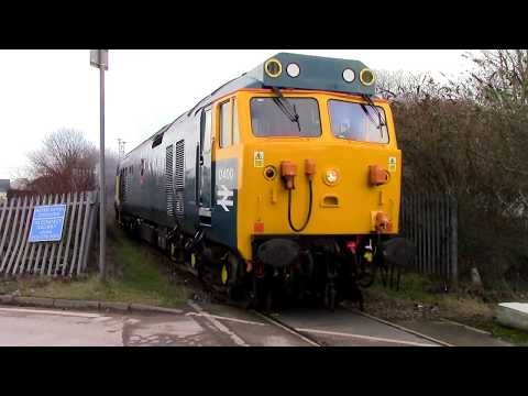 50050 leads 37418, 37521, 56049 & 50017 leave Washwood Heath…