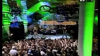 Avril Lavigne - Rock And Roll Hall Of Fame 2002