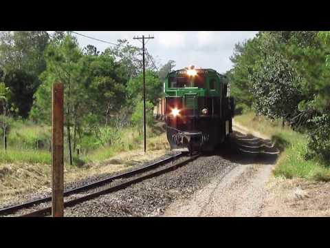 Trem com uma ES43BBi #8330 KLABIN, PN do Pinhalzinho